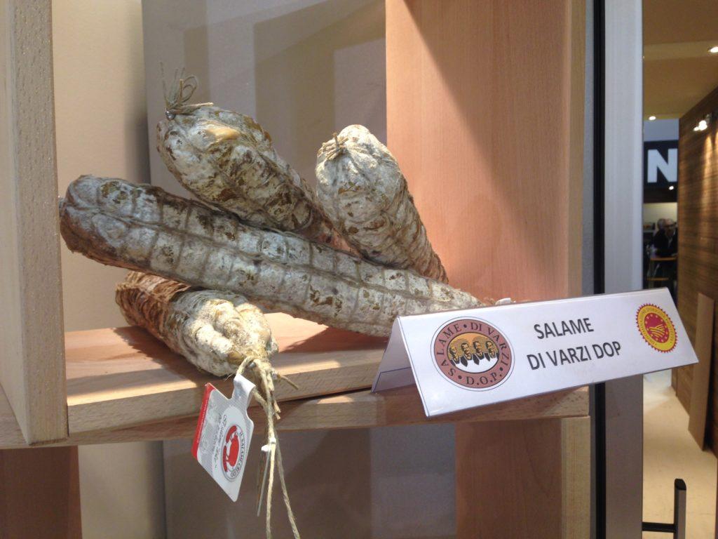 I salami Vecchio Varzi D.O.P. in rappresentanza del Consorzio di Tutela del Salame di Varzi allo stand ISIT