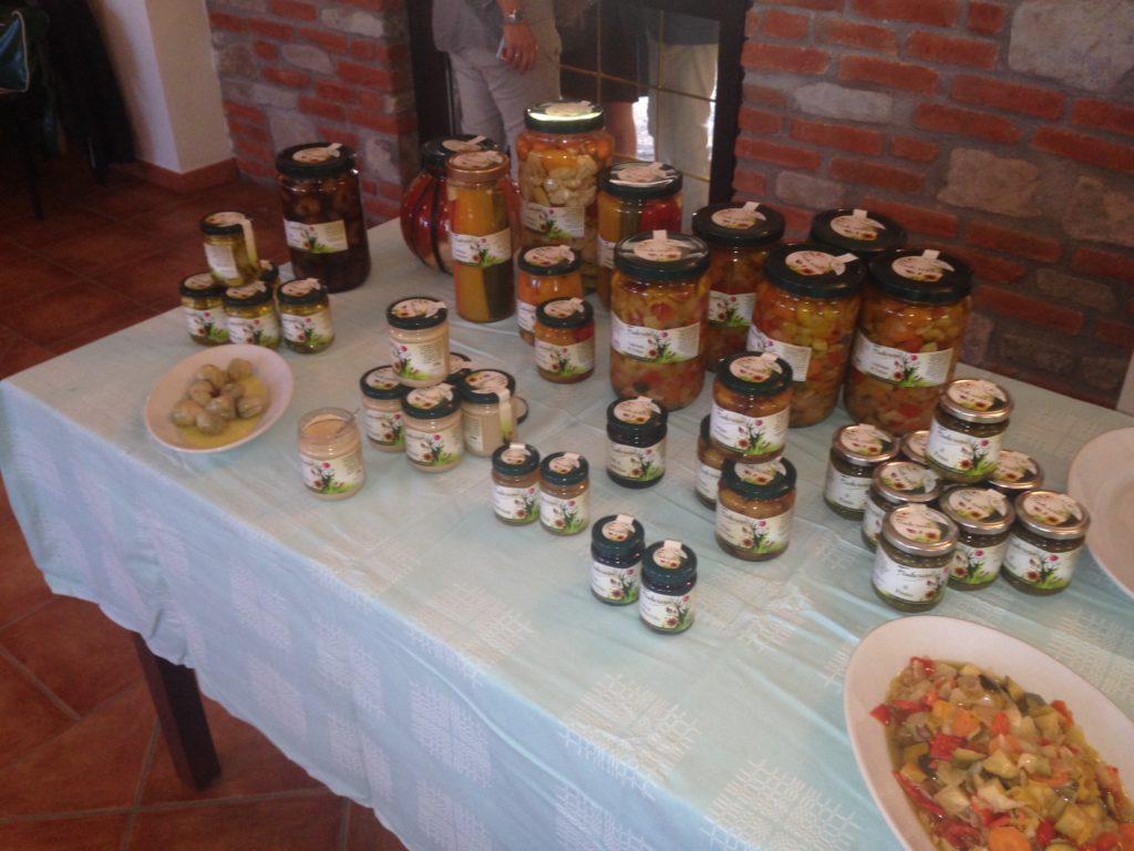 La degustazione di conserve di verdura Fonterosa